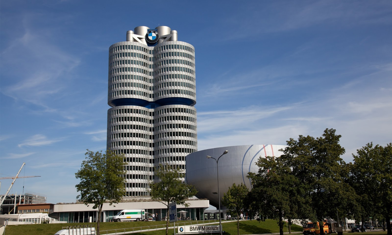 Bmw building hd wallpapers high definition free for House builder online free