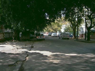 Falta de material de asfalto compromete obras de manutenção de estradas em Maputo