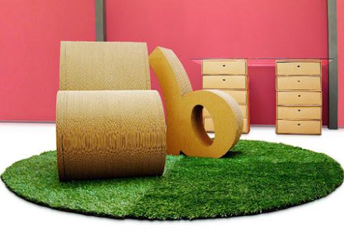 Poltrona feita de papelão 100% biodegradável