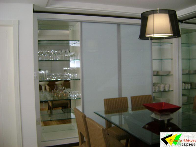 Sala Pequena Projetada ~ Neste ambiente as decoradoras optaram pelos espelhos, dando levezaao