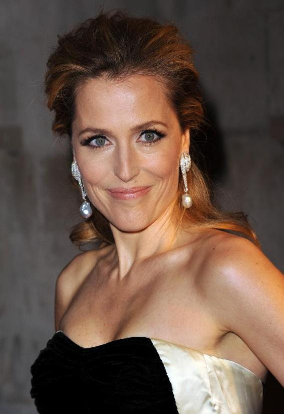 Re: Our daily dose of the Gorgeous Gillian Anderson