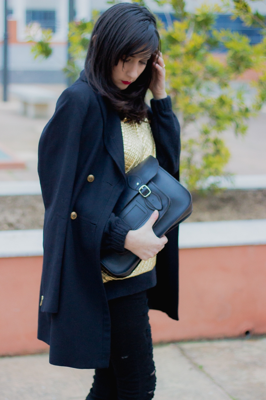 gold sweater isaura&amanda