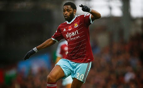 Manchester City and Chelsea to fight for Alex Song
