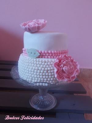 Tarta con perlas para boda