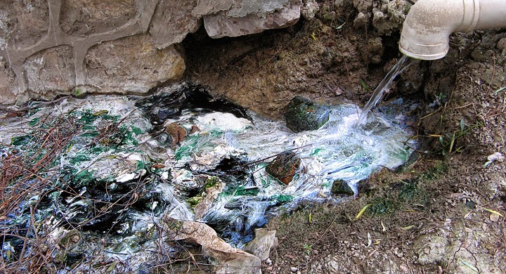La contaminaci n consecuencias de la contaminaci n del suelo for Materiales que componen el suelo