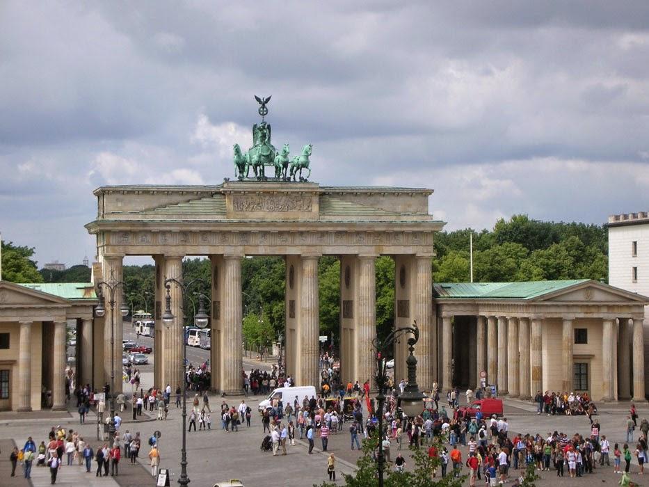 Cosa vedere a berlino 8 motivi per visitarla 1 per non - Berlino porta di brandeburgo ...