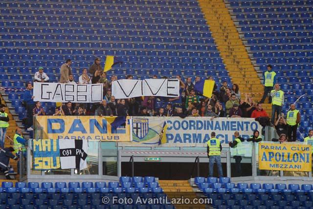 http://1.bp.blogspot.com/-VszbZRHUPhI/TrkmLp_1i4I/AAAAAAAAPYA/8nSemfwzMgw/s1600/0029-Lazio-Parma-11-12-10.jpg