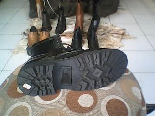 sepatu boot underground rocker sejati
