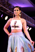illeana latest photos at fashion show-thumbnail-4