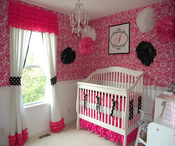 Photo de chambre de b b fille b b et d coration - Decoration hello kitty pour chambre bebe ...