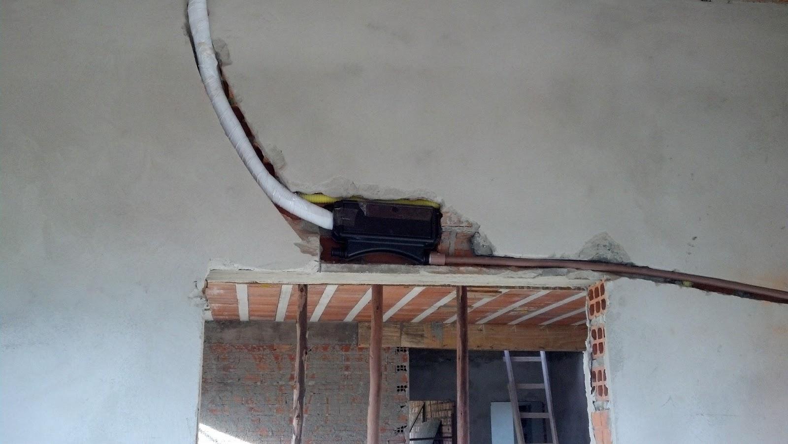 Construindo Nosso Lar Doce Lar: Instalação da tubulação dos Splits #4A6881 1600 902