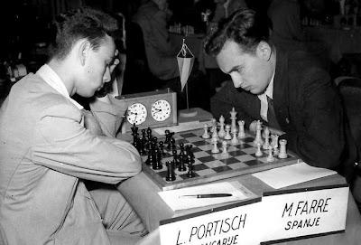 Partida de ajedrez Farré-Portisch, en el III Campeonato Mundial Juvenil (Amberes, 1955)