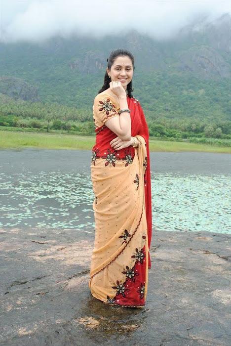 devayani @ kodi mullai tv serial unseen pics