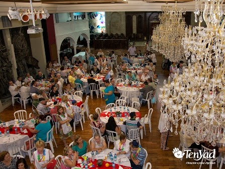 Ten Yad  celebra o Purim