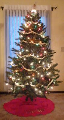 Popcorn Garland Christmas Tree