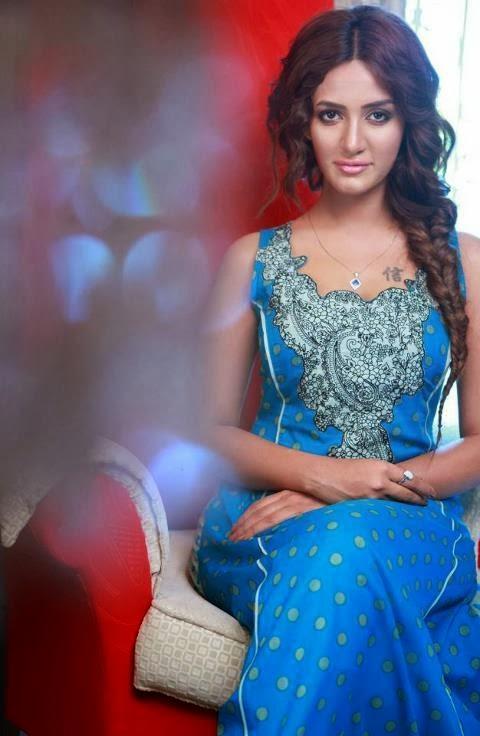 Most+Beautiful+Pakistani+Women+Fashion+Model+Images+2013 14001