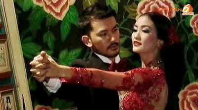 Foto Atikah Hasiholan dan Rio Dewanto