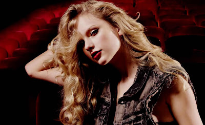 Taylor Swift Blue Eyes Singer Wallpapers