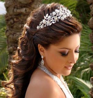 أحدث موضة تسريحات شعر المرأة 2013- أجمل تسريحات 4132.jpg