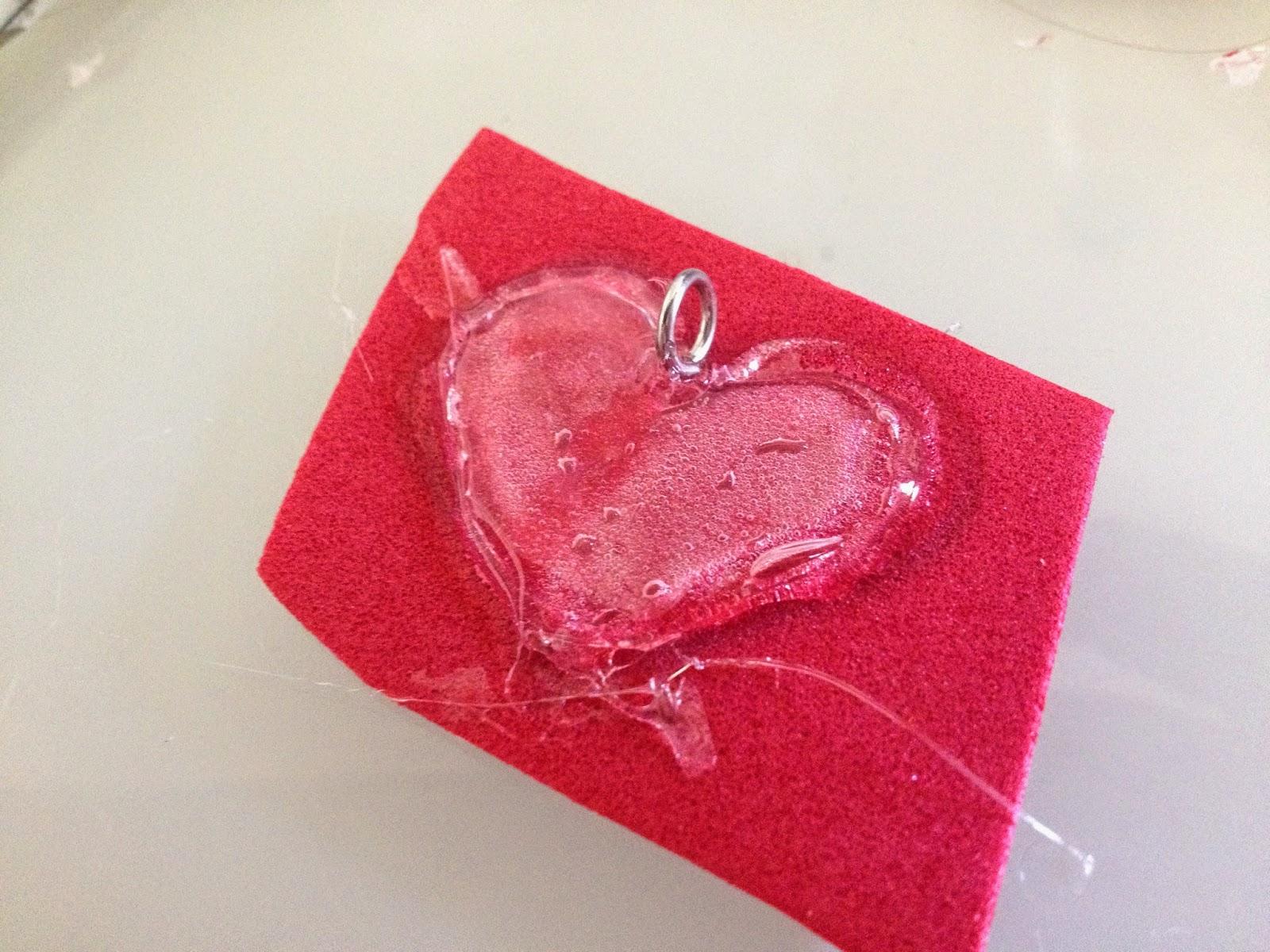 Les diy de fishounette coeur transparent au pistolet colle - Creation avec pistolet a colle ...