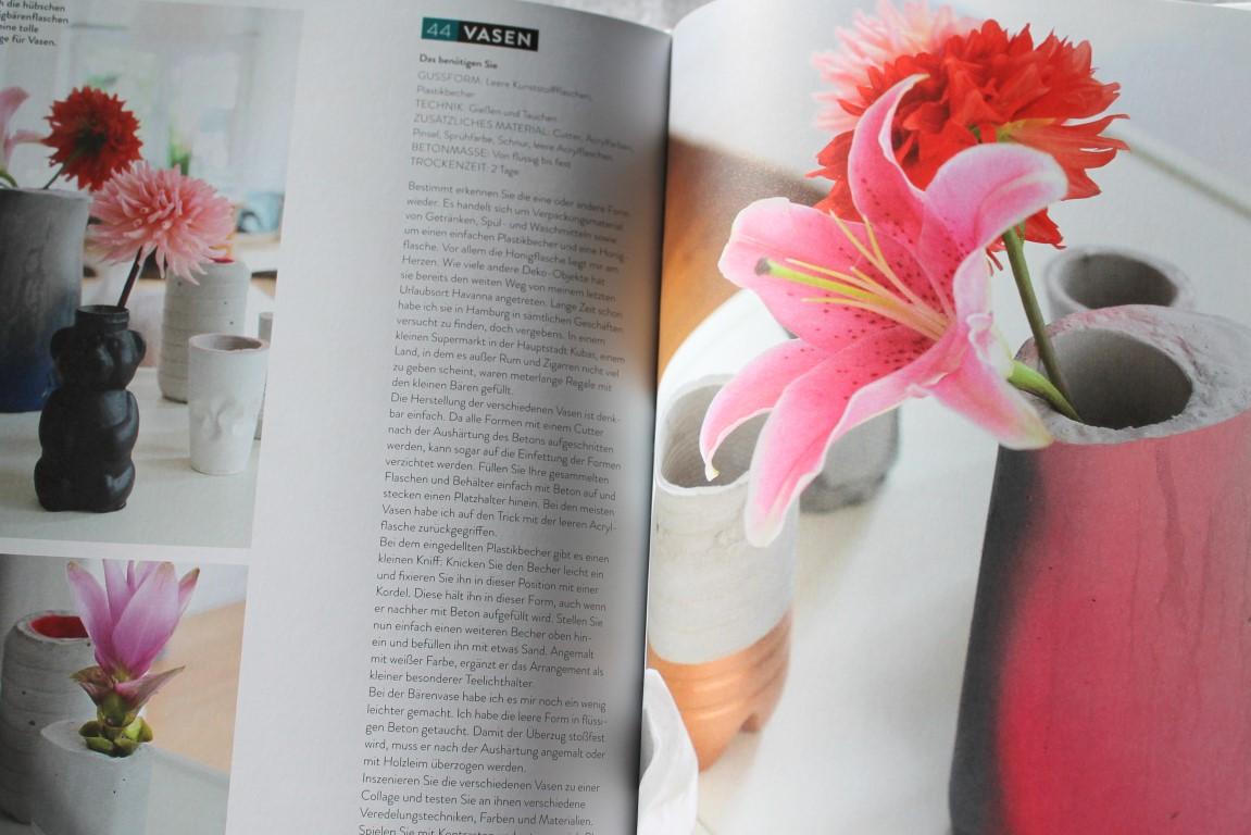 Blumenvasen aus Wohnen mit Beton Callwey Verlag