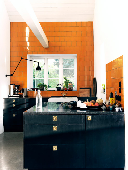 COCOCOZY: TILE FILE - ORANGE & BLACK KITCHEN