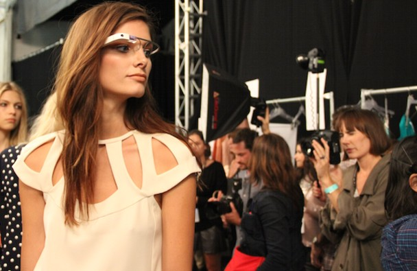 video del desfile de modas grabado desde los google glass