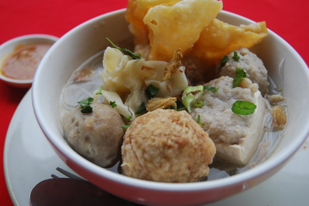 How To Make Bakso [ Meat Ball ] Indonesian Traditional