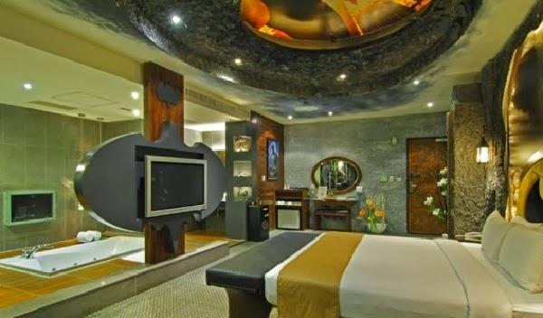 Bat-Habitación in Hotel Edén de Kaohsiung City