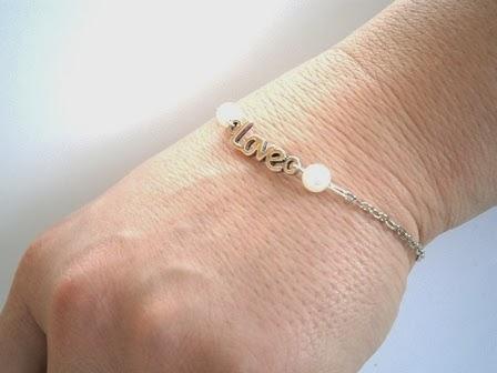117. Walentynkowa bransoletka z perełkami.