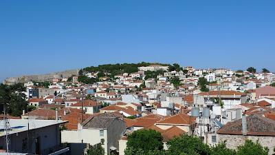Przyjemności z zamieszkania w stolicy Lesbos/Pleasures of living in Lesvos capital
