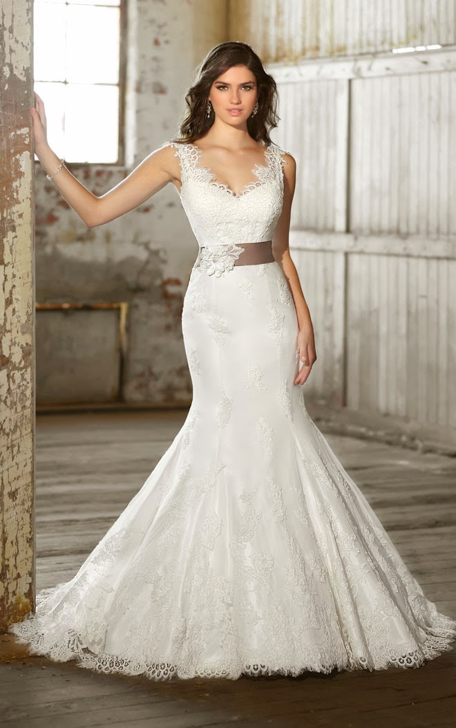 V-Shaped Neckline Lace Cap Sleeve Trumpet Silhouette Wedding Dress