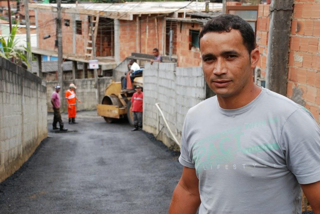 Para Fabiano Da conceição Nascimento o asfaltamento é também uma demonstração de respeito pela população local