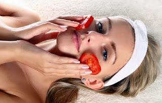 cara menghilankan jerawat dengan tomat