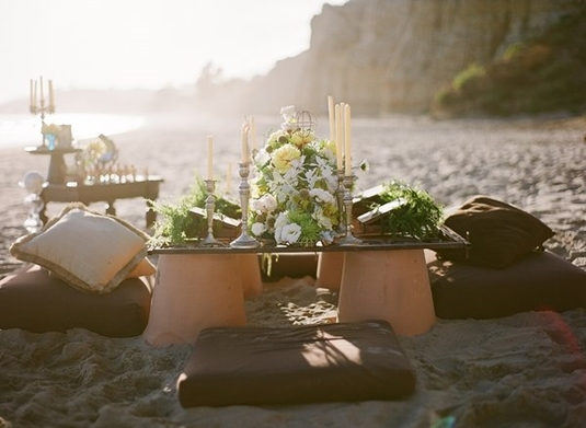 Blomster on the Beach // Floral Beach Moments