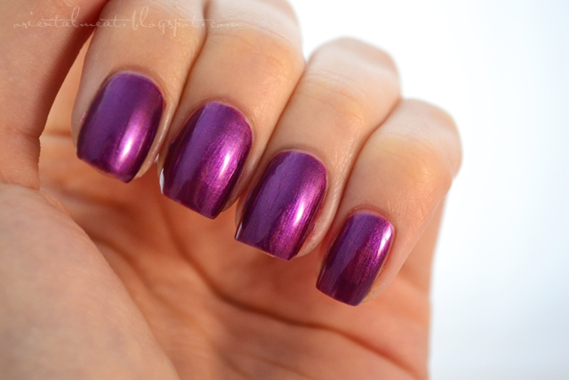 OPI-Suzi & the 7 Dusseldorf