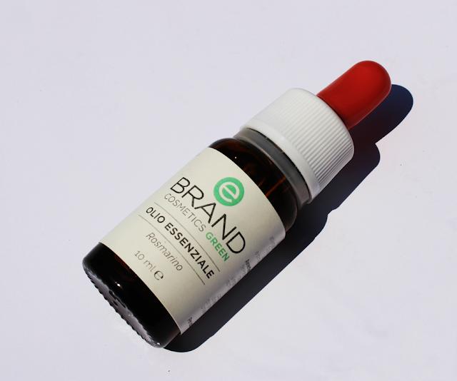 l'olio essenziale di rosmarino