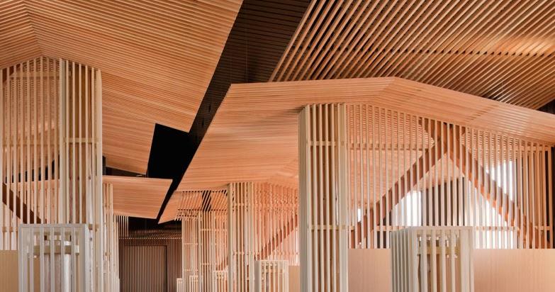 Celos as de madera niseko look out caf espacios en madera - Celosias en madera ...