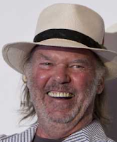 Neil Young lacht
