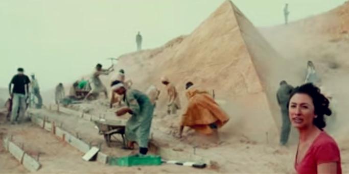 Sinopsis Film The Pyramid 2014 (Ashley Hinshaw, Denis O'Hare)