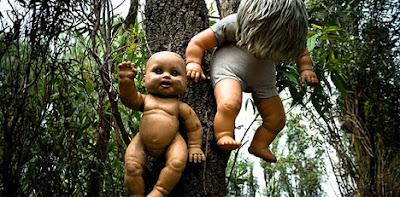 Pulau Boneka Setan di Meksiko yang Menyeramkan - raxterbloom.blogspot.com