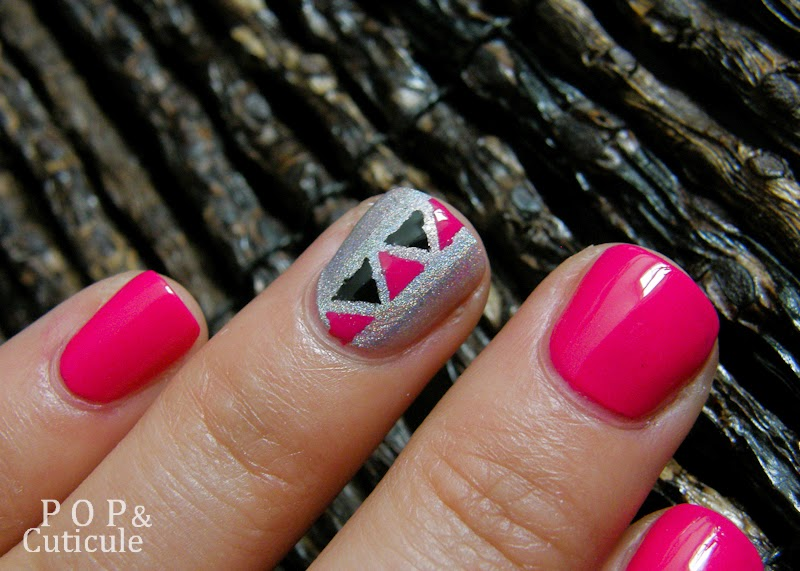 Pop & Cuticule, Nail art été facile rose graphique triangle