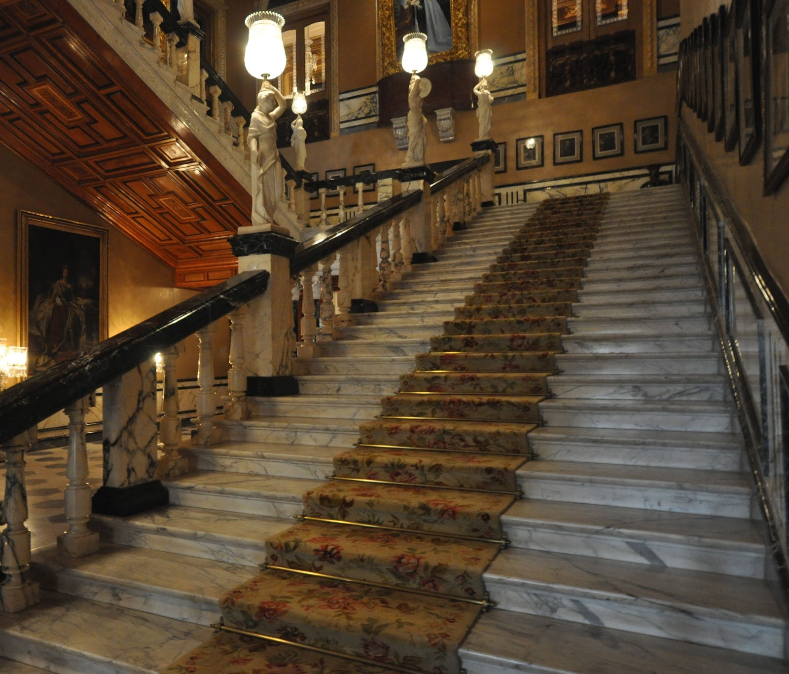Displaying images for ballroom stairs