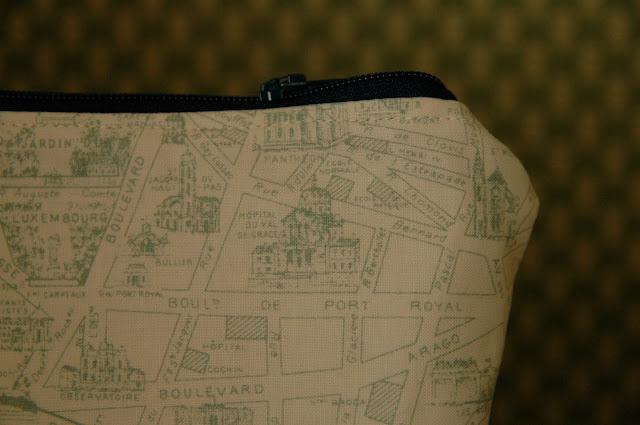 Paris pouch