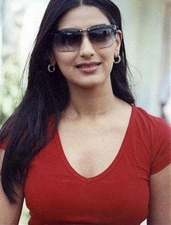 Sonali Bendre bounces back to her old sexy look