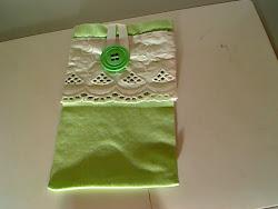 bolsa verde e branco