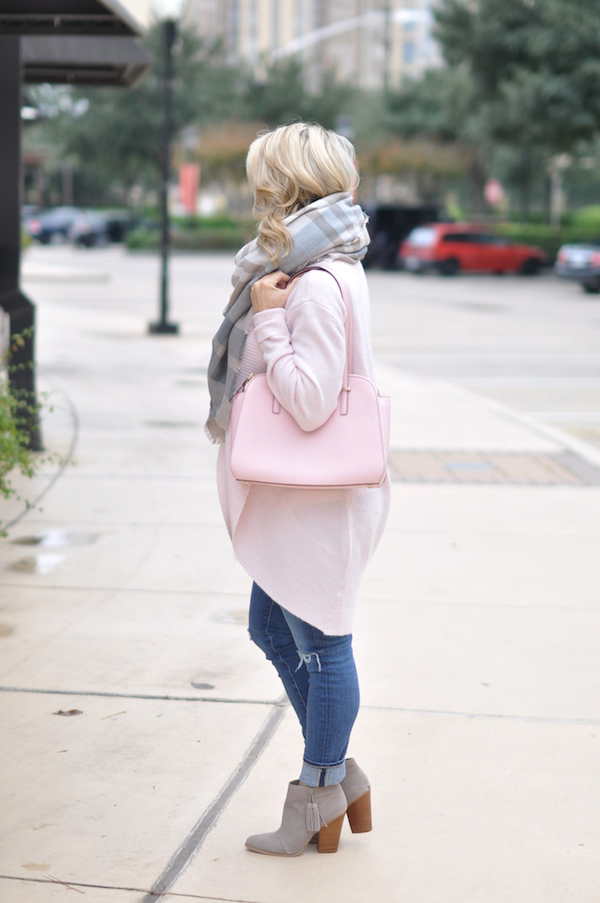 Fall & Winter Fashion - pink cardigan and plaid scarf, pink Kate Spade purse