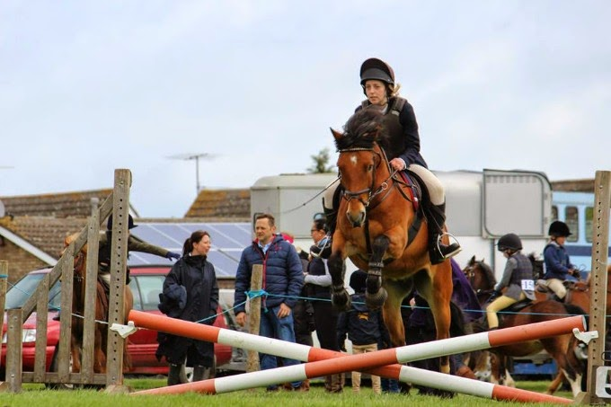 Practice Showjumping at Emberton and District Riding Club with Rocky