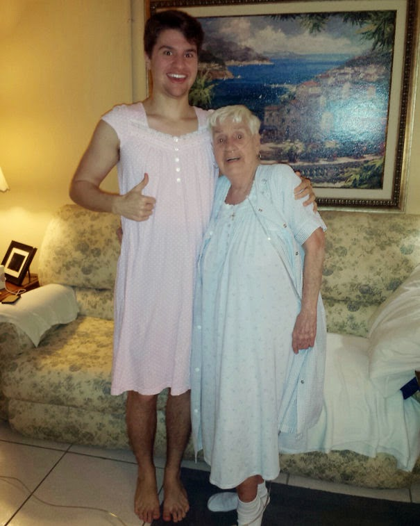 20+ Photos That Will Restore Your Faith In Humanity - 84-Year-Old Grandmother In Hospital Was Embarrased To Wear Her Nightgown So Her Grandson Wore One As Well