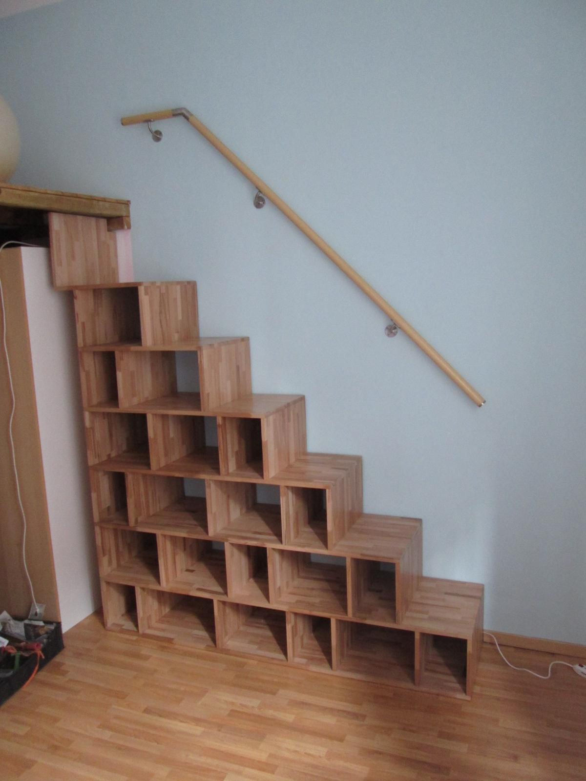 La tana del truciolo scala libreria in faggio massello - Scale per librerie ...